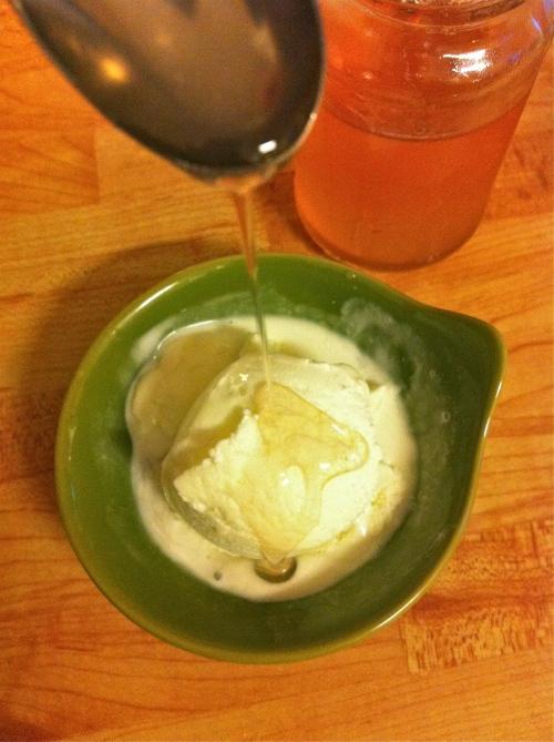 Vaniljglass med granskottssirap